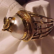 Large Gold Ring With Bee Sitting on a Pearl with a Diamond