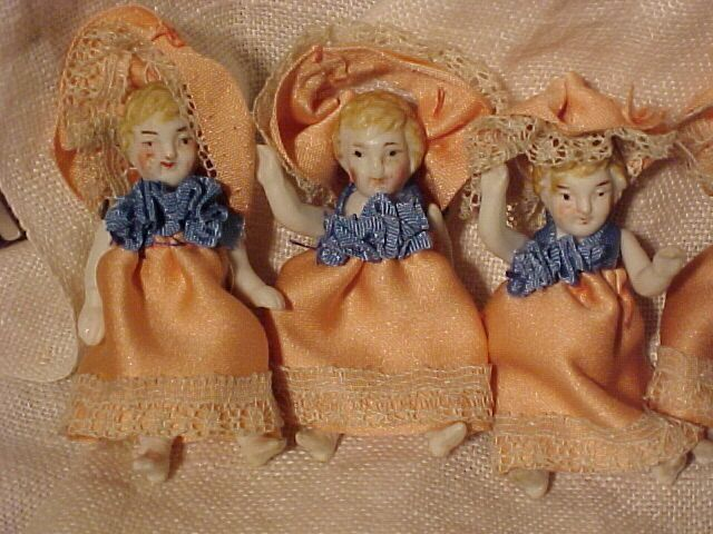 Lot Of  Tiny Dolls In Peach