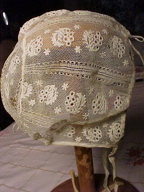 Pretty Lace Bonnet