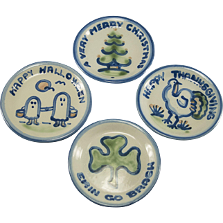 """Hadley Holiday 4pc Butterpat 4"""" plate group"""
