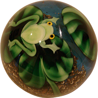 Orient & Flume Bruce Sillars frog art glass paperweight signed dated 1981