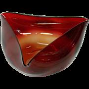 Mount Washington amberina tri cornered art glass bowl