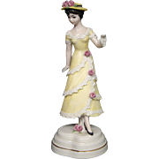Goebel Huldah Cherry Jeffe Summer 702 yellow dress figurine