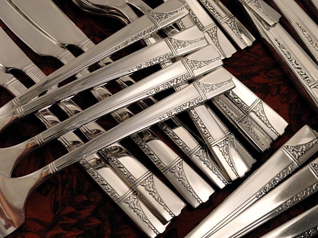 Oneida Nobility Plate CAPRICE ART DECO Vintage 36 Pc. 1937 Silver Plate Flatware Silverware Set Grille Viande Dinner Service for 6