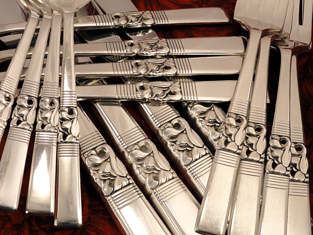 Oneida Community MORNING STAR Dinner Set Vintage 1948 Silver Plate  Fireside Treasures | Ruby Lane : silver plated silverware set - pezcame.com