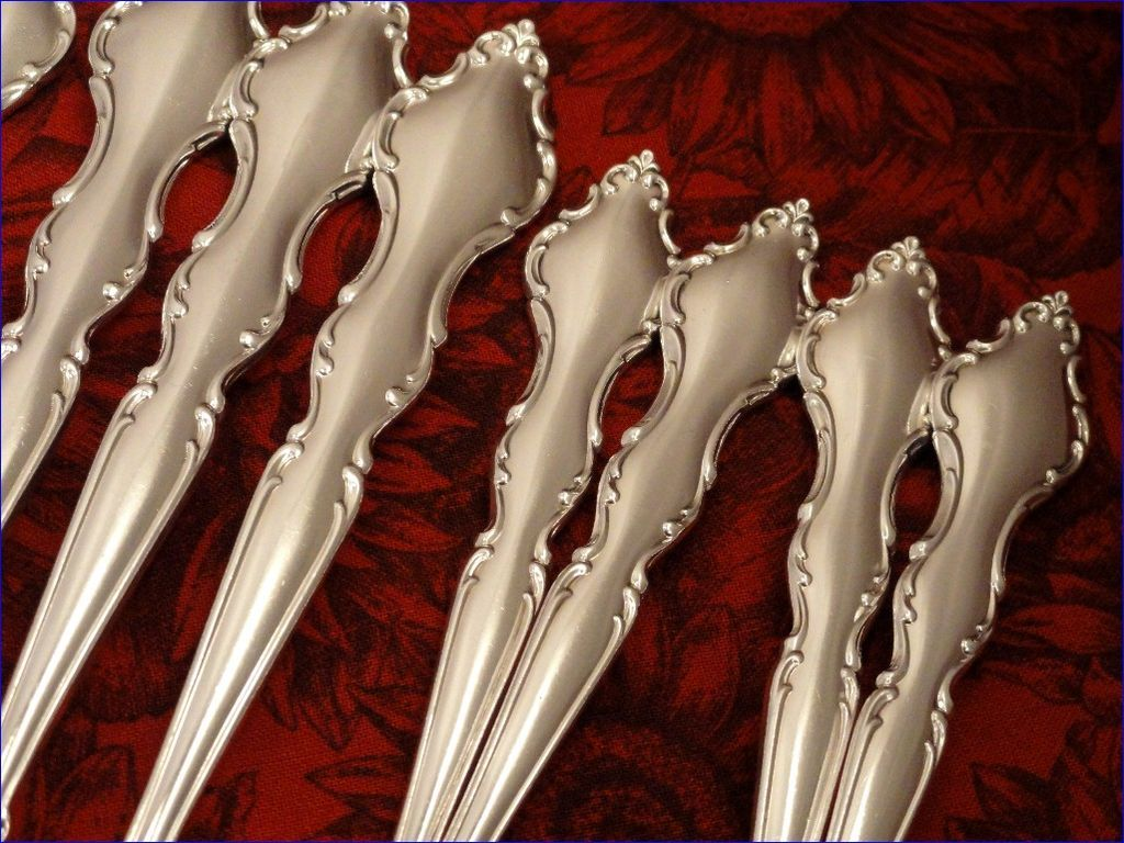 International DeepSilver WAKEFIELD Vintage 1965 Silver Plate Flatware Floral Silverware Set You Choose Dinner Service for 4, 8 or 12
