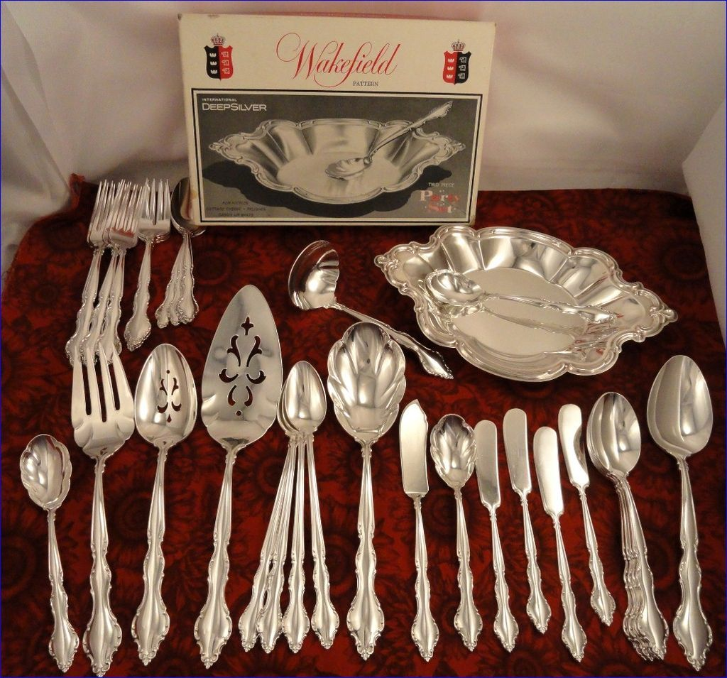 International Deepsilver Wakefield Vintage 1965 Silver