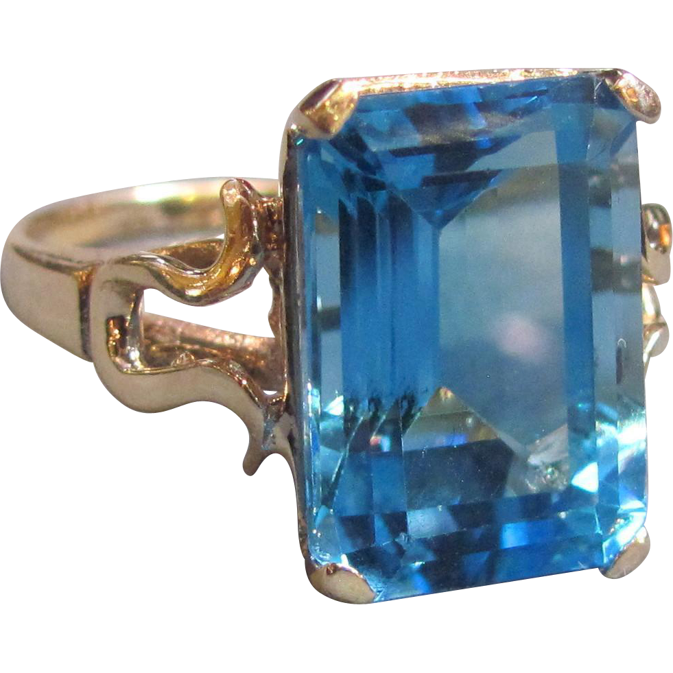 Vintage 10K Blue Topaz Ring  20th Century