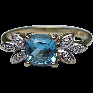 Vintage 10K Gold Blue Topaz Ring