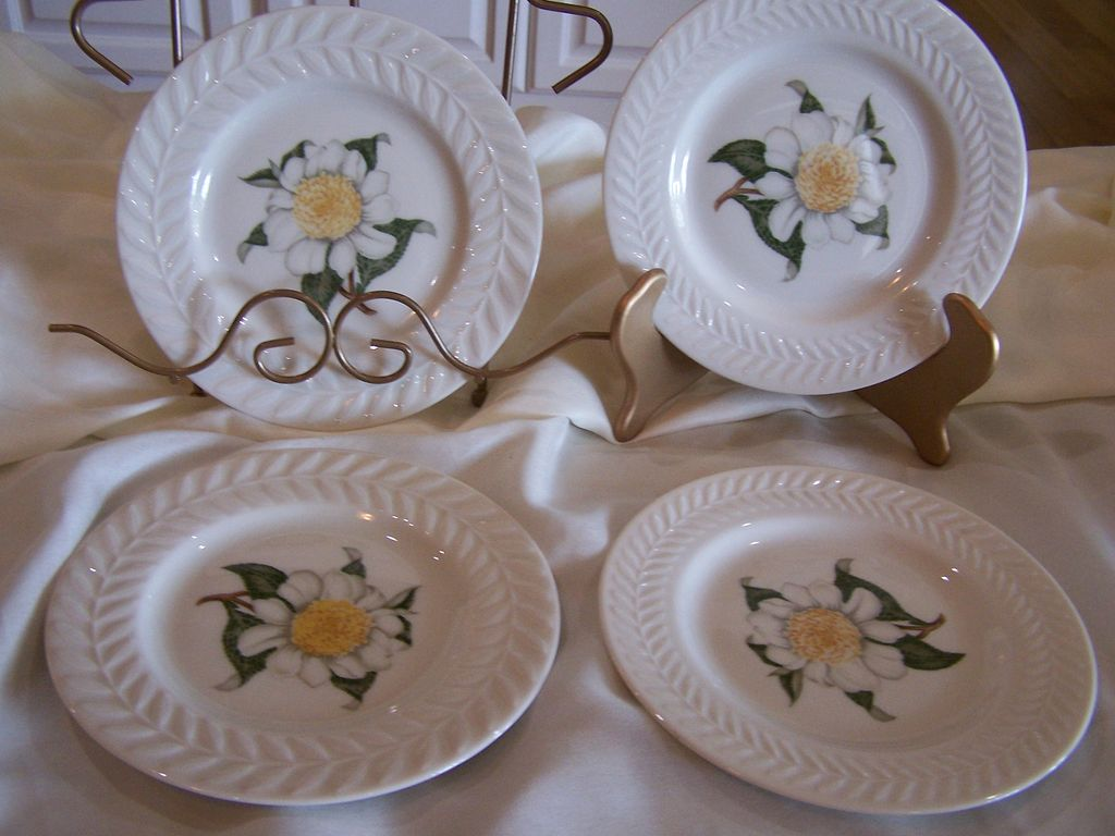 Theodore Haviland China Plates Camellia Set (4)