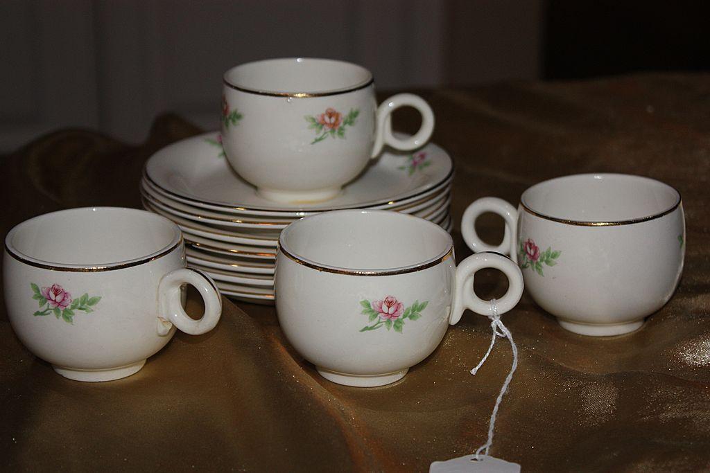 Vintage Homer Laughlin China Demitasse Cups Saucers Set Eggshell 1944