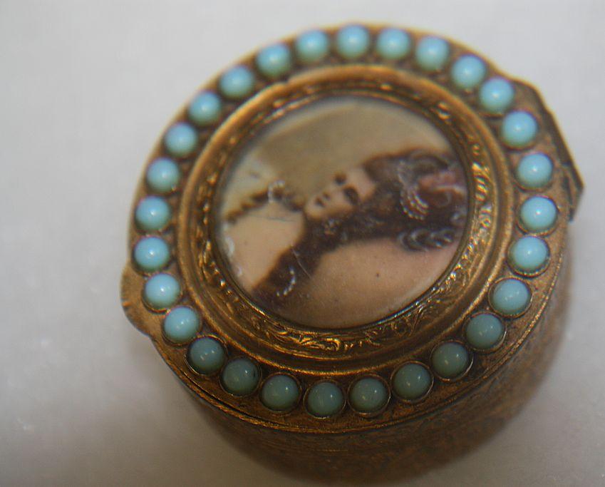 Antique Snuff Pill Box Italy Madame de Pompadour Stones