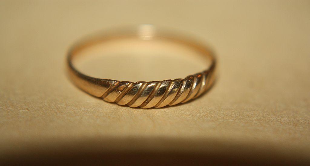 Vintage Baby Ring 10K Gold Design