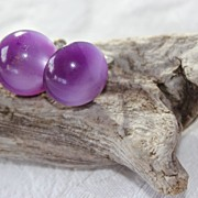 Luscious Purple Moonglow Lucite 1940's earrings