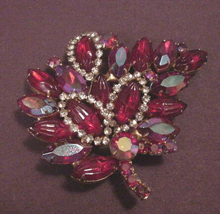 Vintage Jewelry Ruby Red Pin with Molded Glass