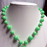 1960's Green Bead Dangle Necklace