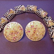 Vintage Coro Butter Yellow Confetti Lucite Bracelet