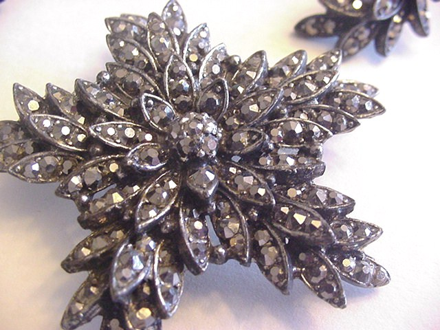 Vintage Pot Metal with Hematite Rhinestones Pin and Earrings