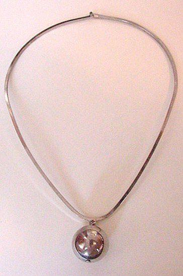 Vintage Celebrity Modernist Style Necklace