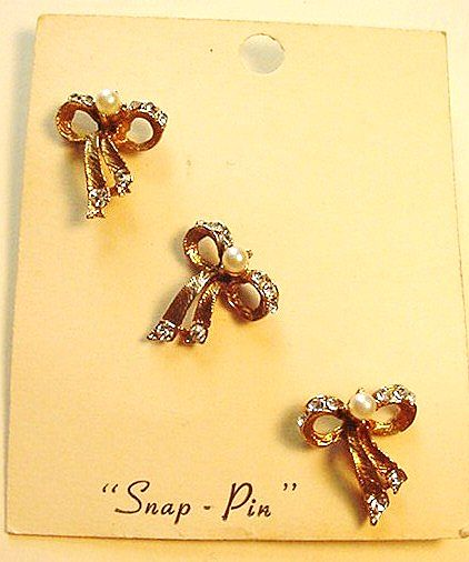 Little Vintage Bow Pins New on Original Card