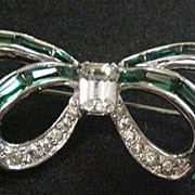 Retro Mazur Rhinestone Bow Pin