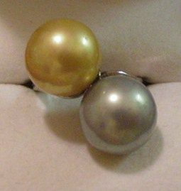 Vintage Large Faux Pearls Ring