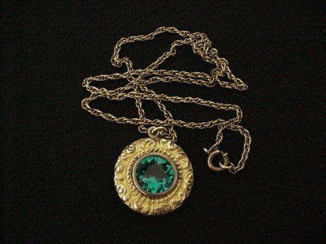 American Queen Necklace Pat. 1907