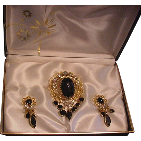 MIB Rhinestone Pin and Earrings Set
