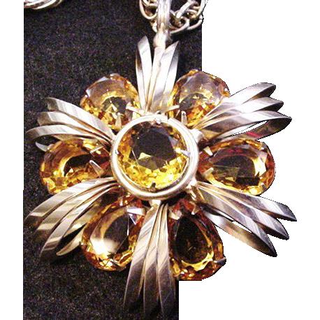 Superb Rhinestone Necklace
