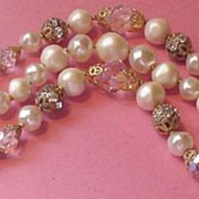Wonderful Vintage Faux Pearl and Crystal Bracelet