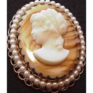 Vintage Slag Glass Cameo Pin