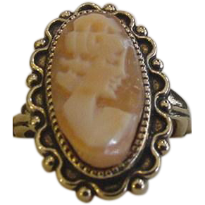 Vintage Shell Cameo Ring