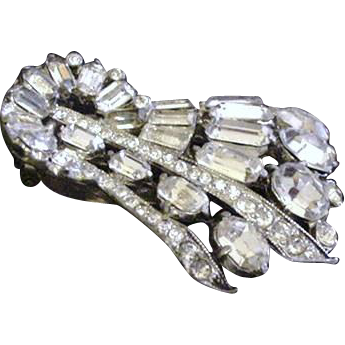 Art Deco Staret Dress Clip