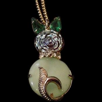 Rhinestone Cat Pendant Necklace