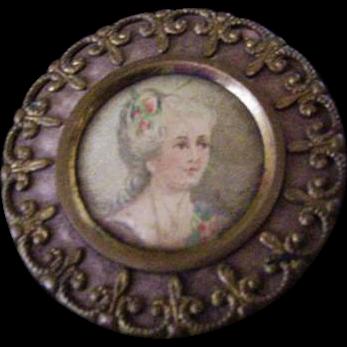 Antique Portrait Button
