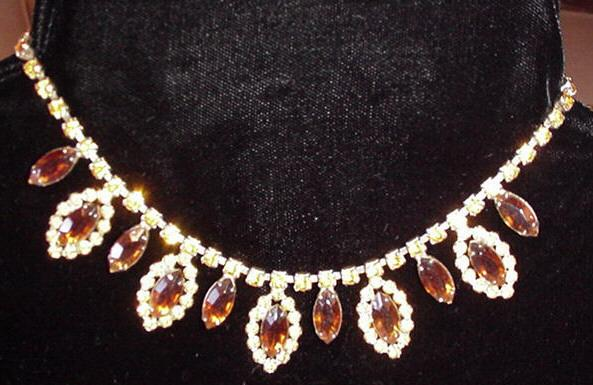Vintage Necklace with the colors of Amber and Citrine