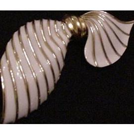 Trifari Asymmetrical Bow Pin