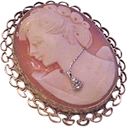 Cameo Pin Pendant Shell Habille