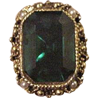 Emerald Green Glass Rhinestone Cocktail Ring