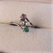 10k Gold Amethyst and Emerald Ring