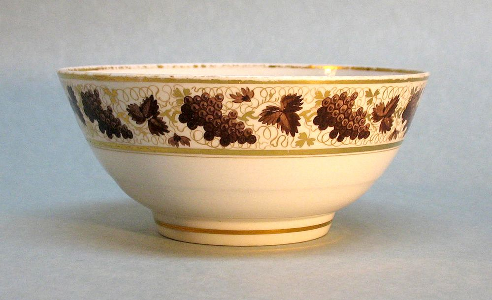 Barr Period Worcester Porcelain Bowl circa 1800