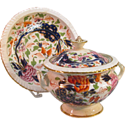"English ""Japan"" Pattern Sauce Tureen on Stand ca. 1825"