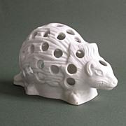 Hedgehog Form Bulb Pot