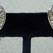 Elegant 1950's Weiss Rhinestone Clip On Earrings!