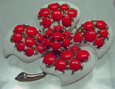 1960's Trifari Trembler Flower Brooch, Charming!