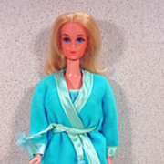 Mattel 1972 Walk Lively Barbie in Satin Slumber Outfit!