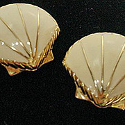 Vintage 1980's Trifari Enamel Shell Summer Earrings
