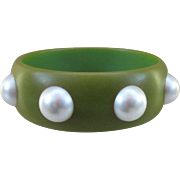 Vintage Bakelite Bangle with Large Imitation Pearls