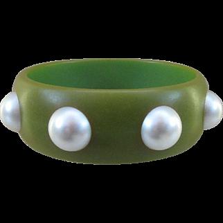 Vintage Bakelite Bangle with Large Imitation Pearls