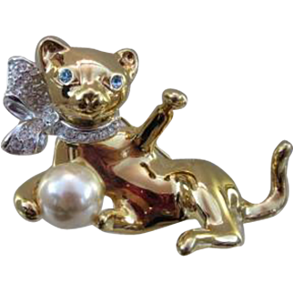 Adorable Figural Kitty With Ball KJL Signed Vintage Pin